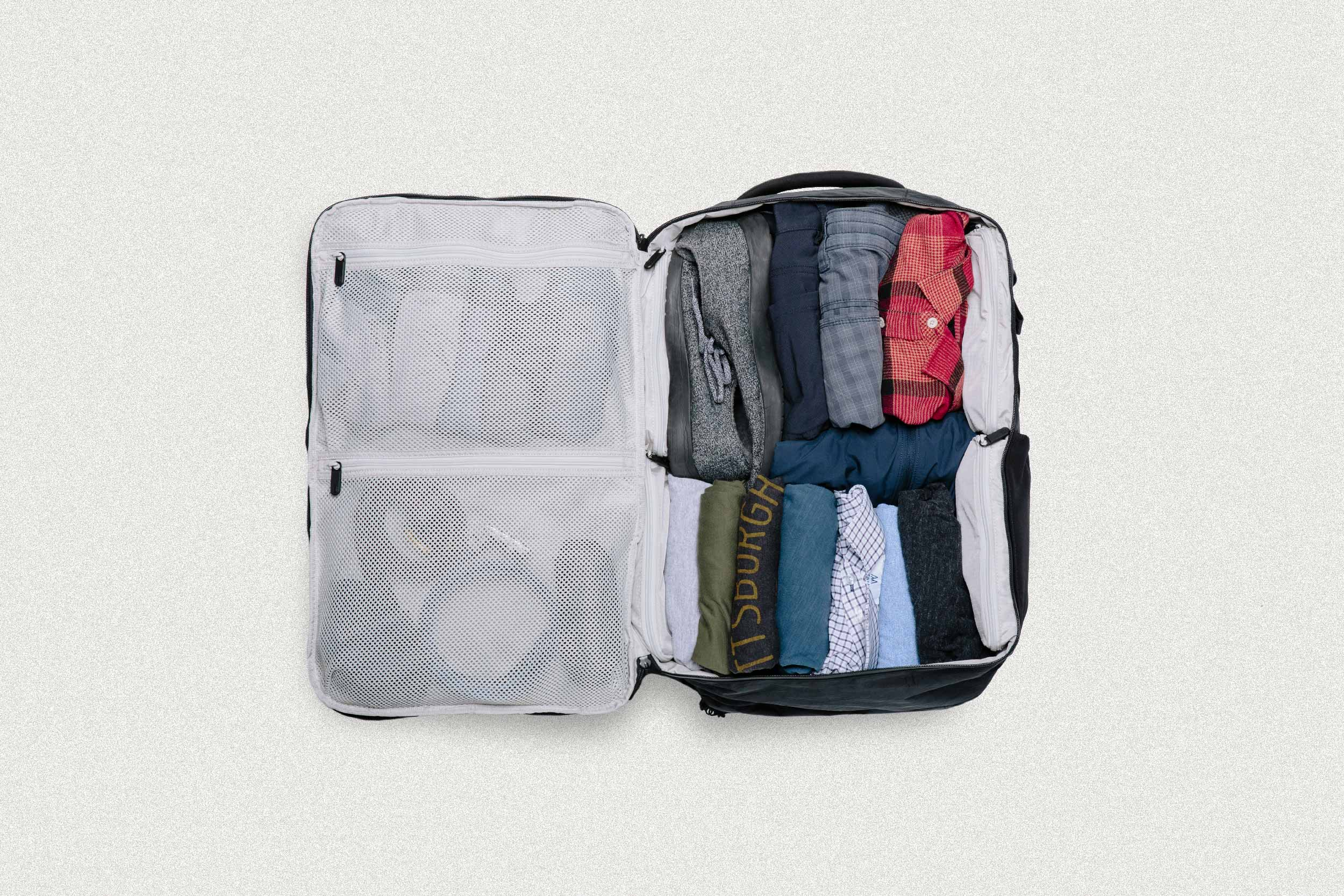 How to keep clothes from wrinkling in luggage tortuga backpacks blog how to pack clothes to avoid wrinkles ombrellifo Gallery