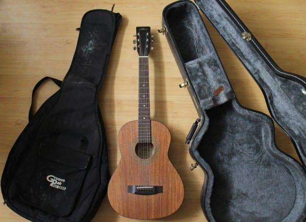 soft guitar case vs hard guitar case