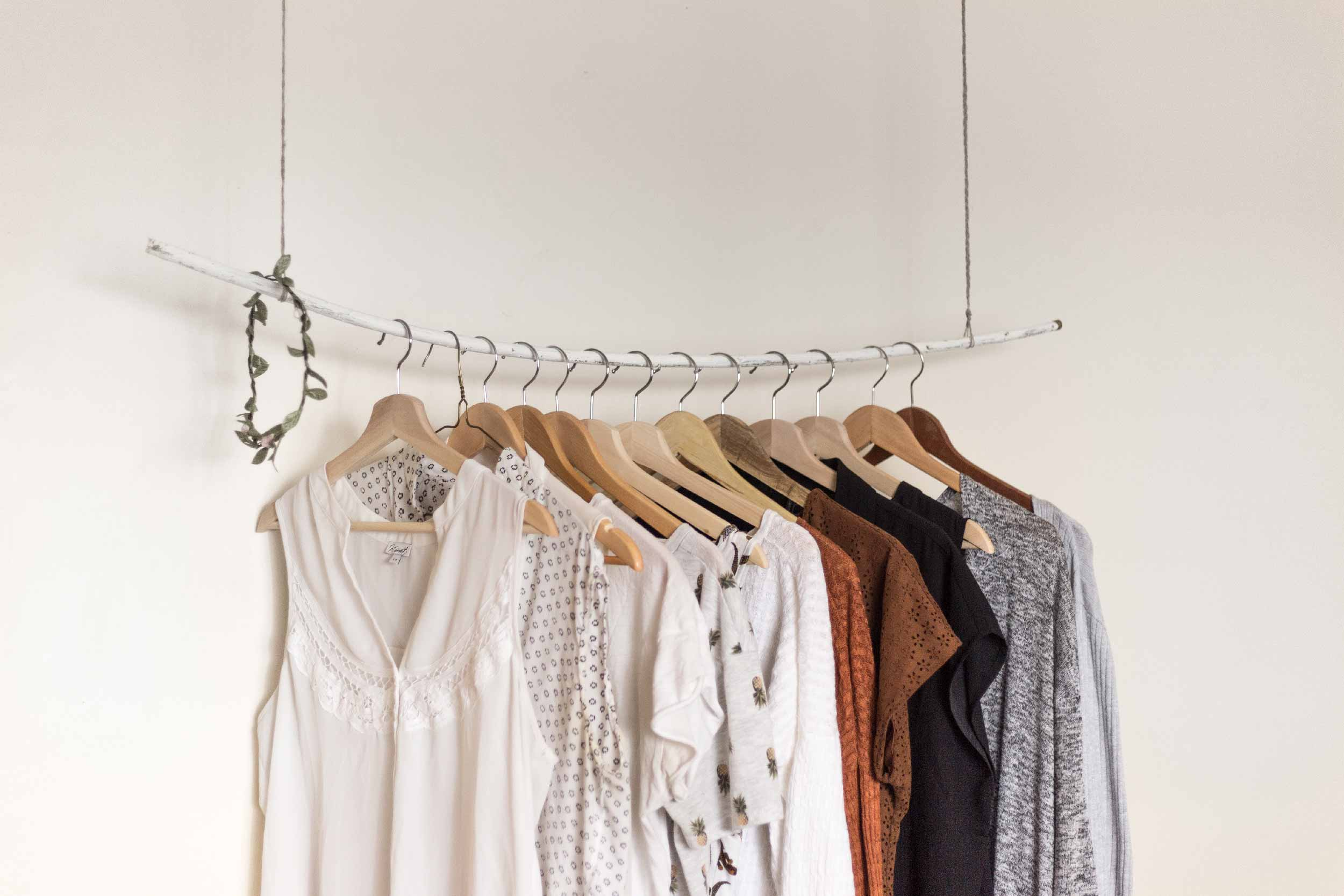 A Traveling Womanu0027s Guide To Building A Capsule Wardrobe