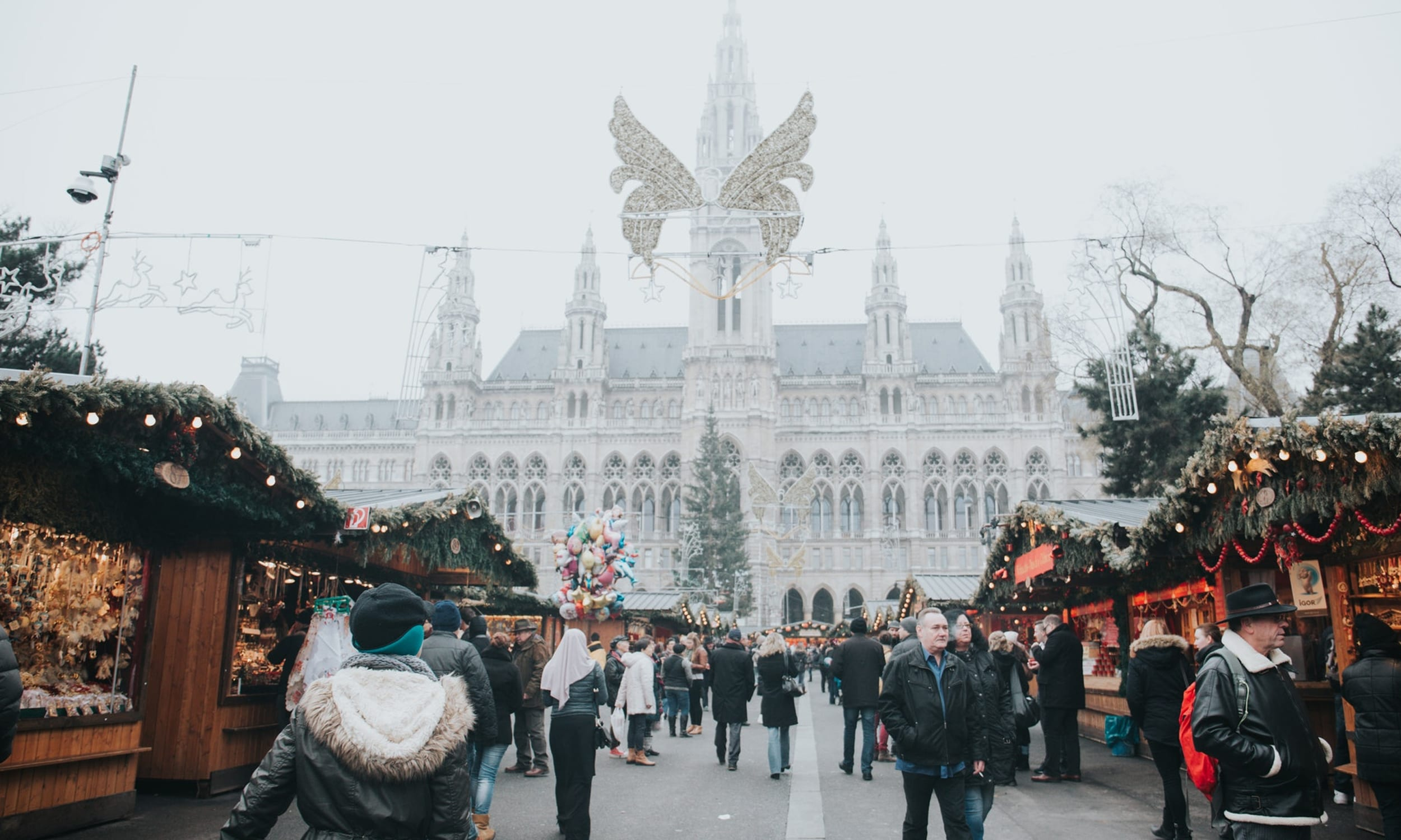 Your Guide to the 12 Best Christmas Markets in Europe - Tortuga ...