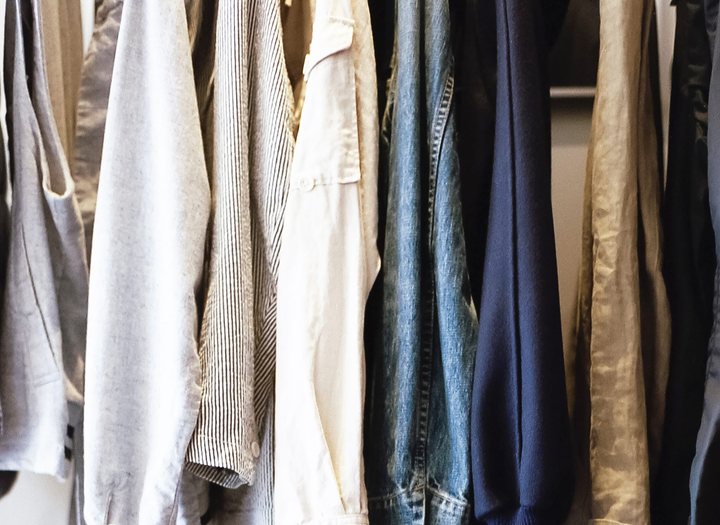 59d446a76 How to Build a Travel Capsule Wardrobe