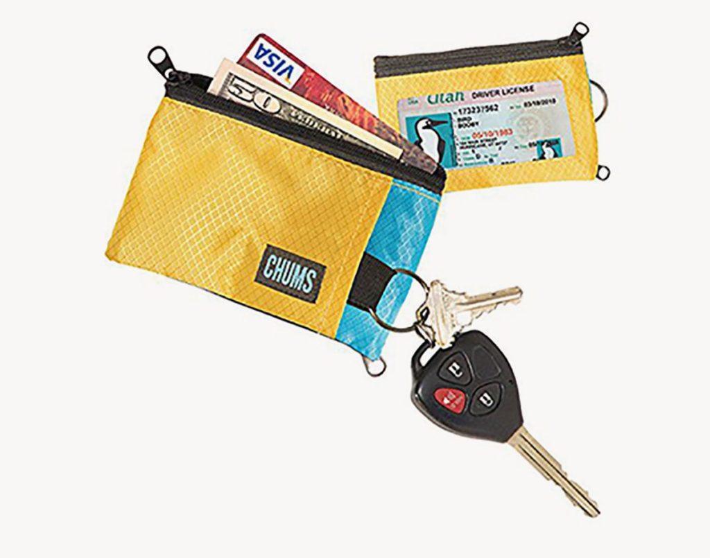 CHUMS Zipper wallet review