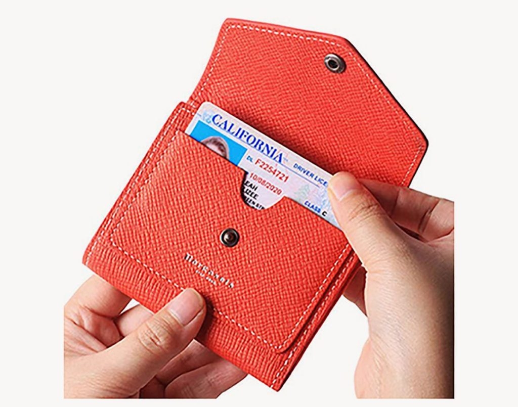 Borgasets REFID small bifold womens travel wallet review