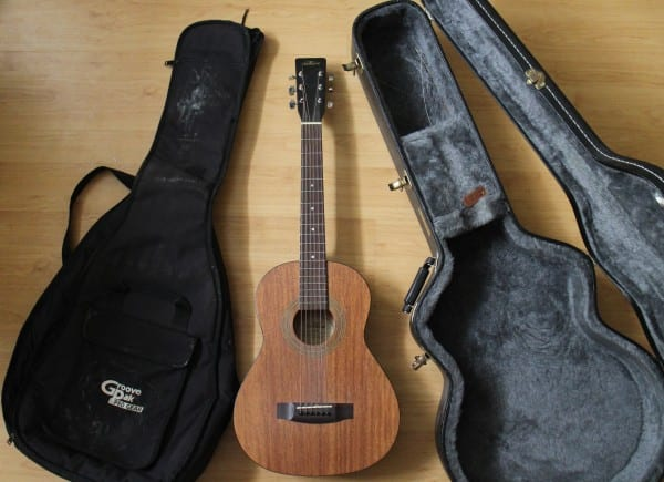 soft guitar case vs hard guitar case